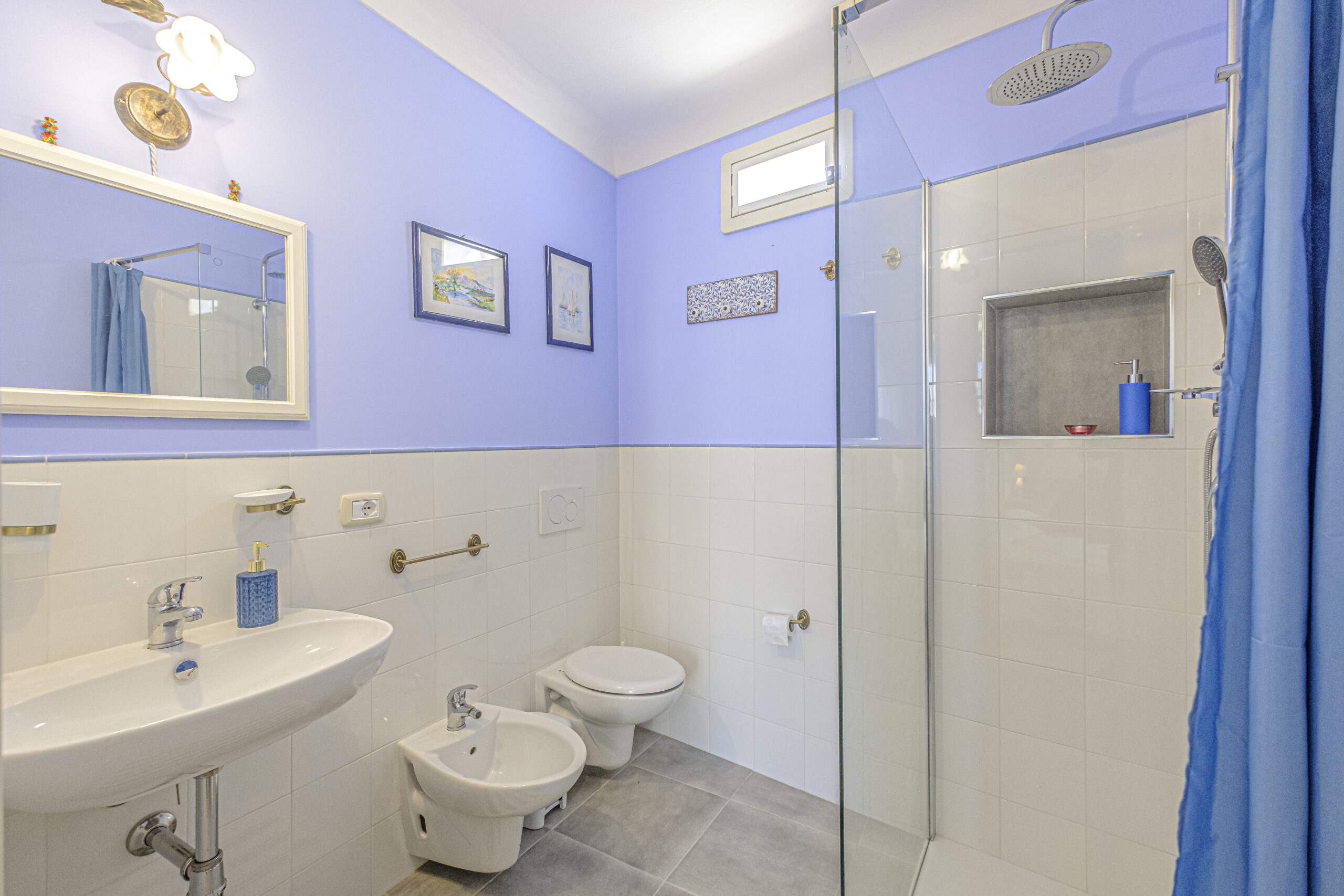 3 Calliope bathroom